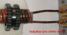 <b> Ohřev Fe</b>:  Induktor pro ohřev ozubených koleček před montáží na hřídel.