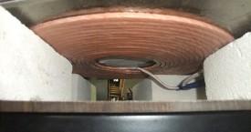 <b> Plochý induktor</b>:  Toto provedení slouží k ohřev desek.