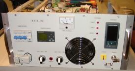 "<b>SFG-10</b>:  Modifikace generátoru SFG-8 v 19"" skříni."